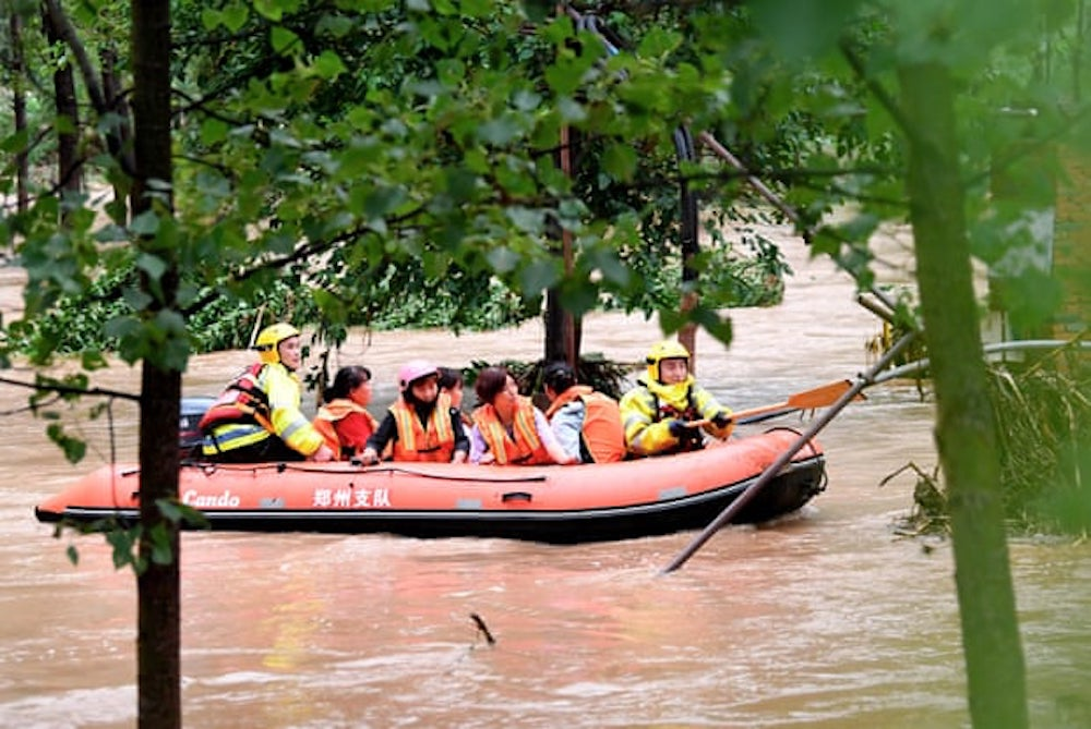 Loss of life rises and thousands escape homes as floods hit China